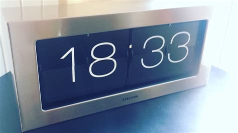 Karlsson XL Flip Clock (unboxing & review) - YouTube