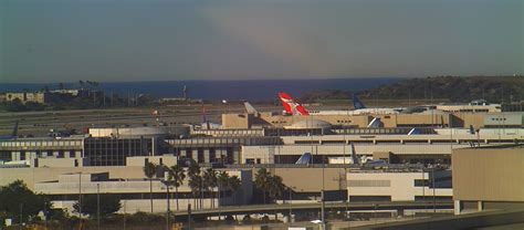 What's happening at LAX? Great webcams at Los Angeles