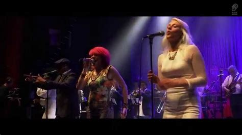"""INCOGNITO """"Hands Up (If You Wanna Be Loved)"""" from """"Live In"""